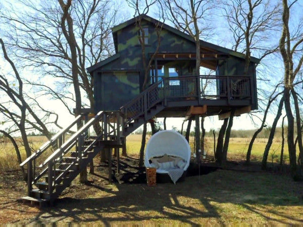 s06e08 — Camo Treehouse