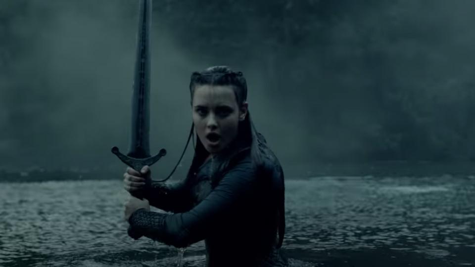 Netflix выпустил трейлер сериала «Проклятая» сКэтрин Лэнгфорд вглавной роли
