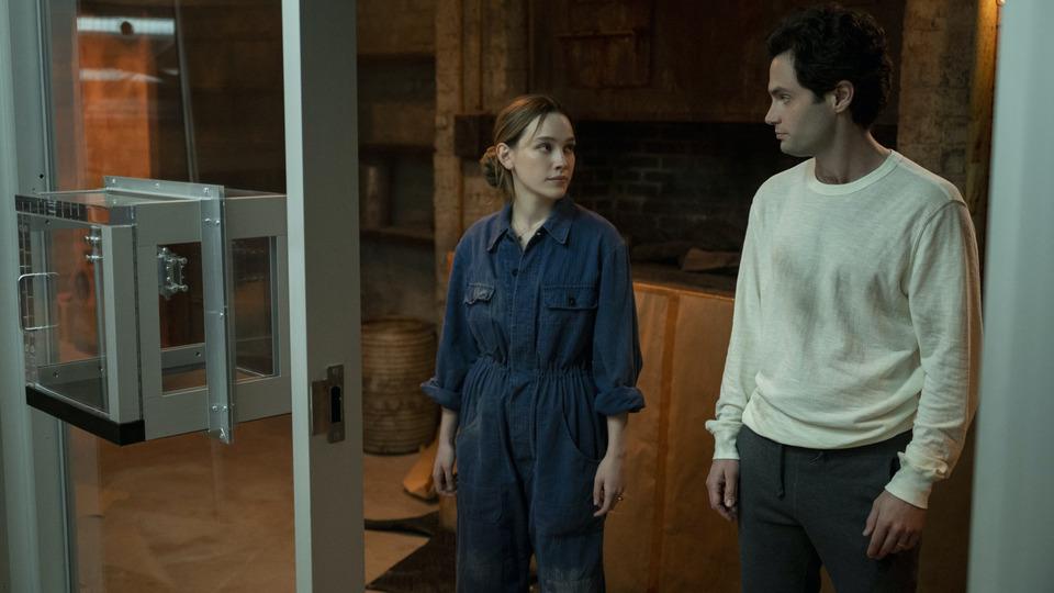 Netflix продлил сериал «Ты» начетвертый сезон