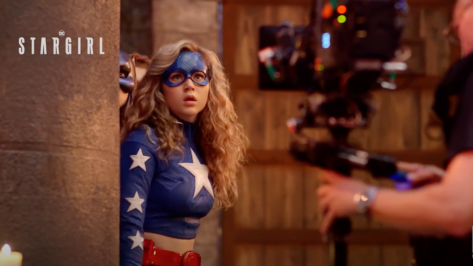 Посмотрите новое промо сериала The CW иDC Universe «Старгерл»