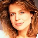 Linda Hamilton — Catherine Chandler