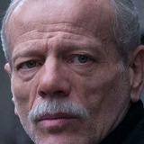 Pascal Greggory — Henry Munro