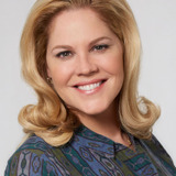 Mary McCormack — Peggy Cleary