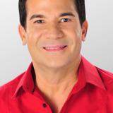 Edu Manzano — Host