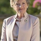 Julia McKenzie — Shirley Mollison
