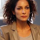 Simona Cavallari — Claudia Mares