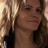 Jennifer Jason Leigh — Elsa Gardner