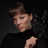 Jessica Schwarz — Nelly Hallaska