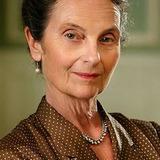 Suzanne Reuter — Helga