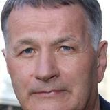 Thomas Rühmann — Dr. Roland Heilmann