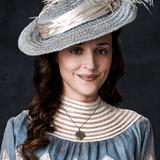 Lola Bessis — Mademoiselle Dianne de Poitiers