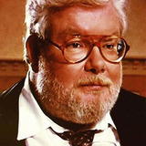 Richard Griffiths — Henry Crabbe