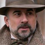 Antoine Duléry — Commissaire Larosiere