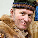 Adrian Edmondson — Count Ilya Rostov