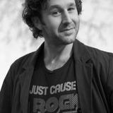 Chris O'Dowd — Roy Trenneman