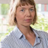 Anna Maxwell Martin — Julia