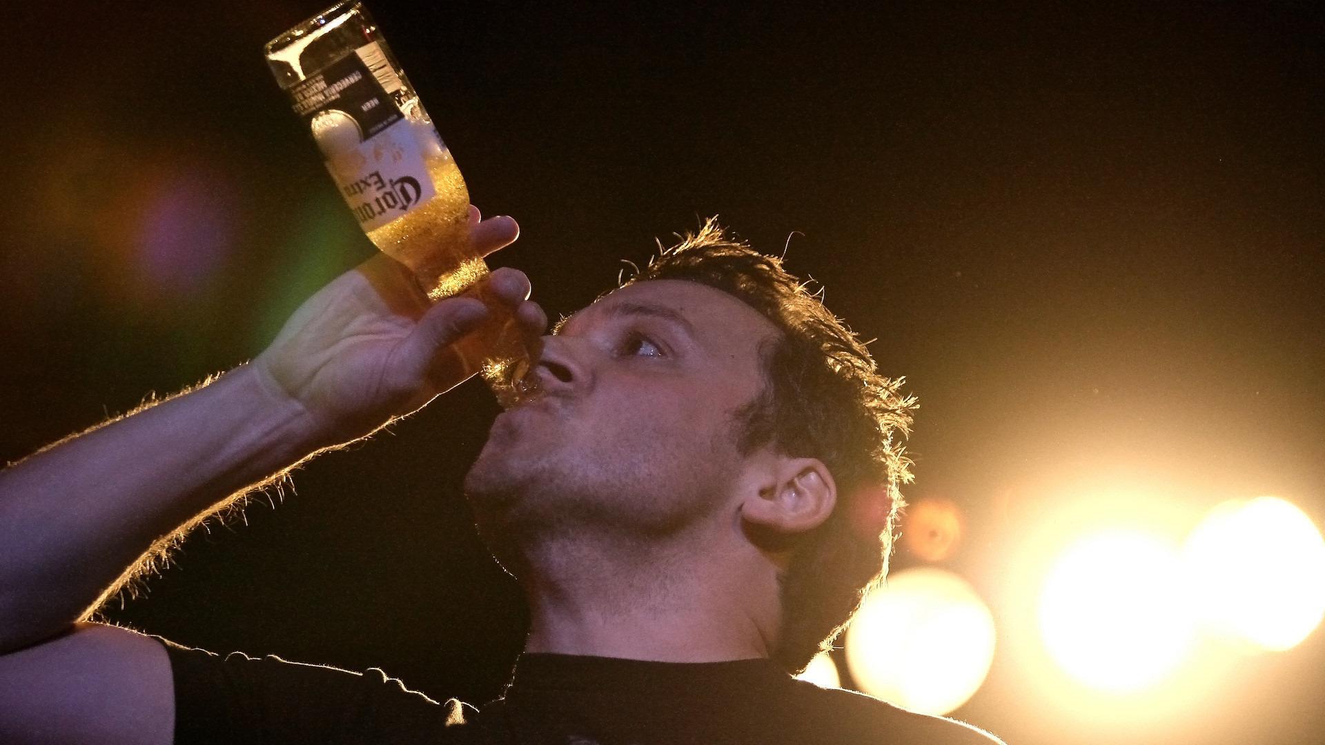 Сериал Drinking Made Easy