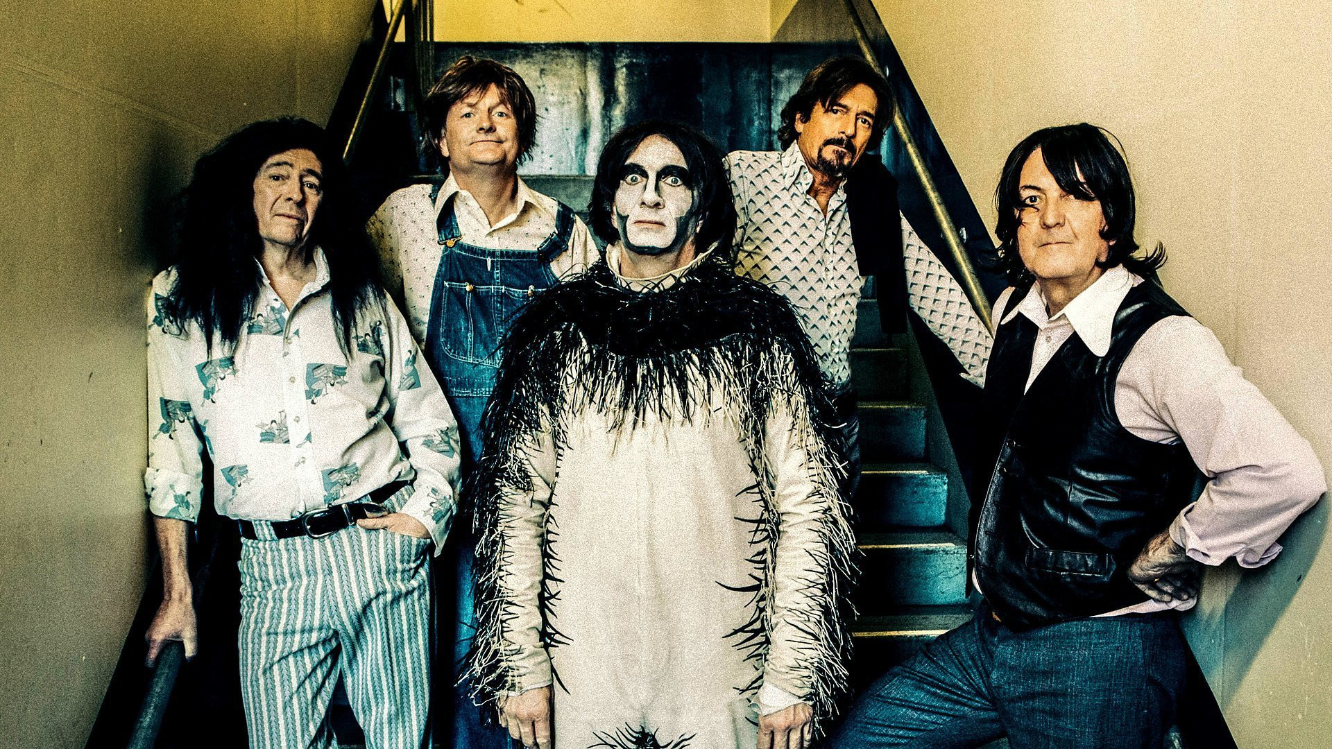 Show Brian Pern: 45 Years of Prog and Roll