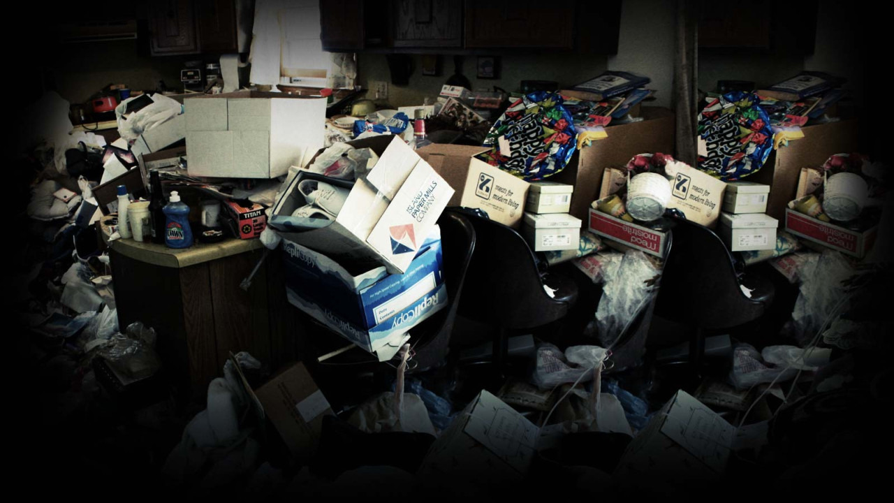 Show Hoarding: Buried Alive